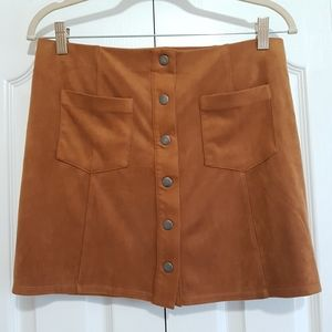 F21 suede feel mini skirt, snap button closure